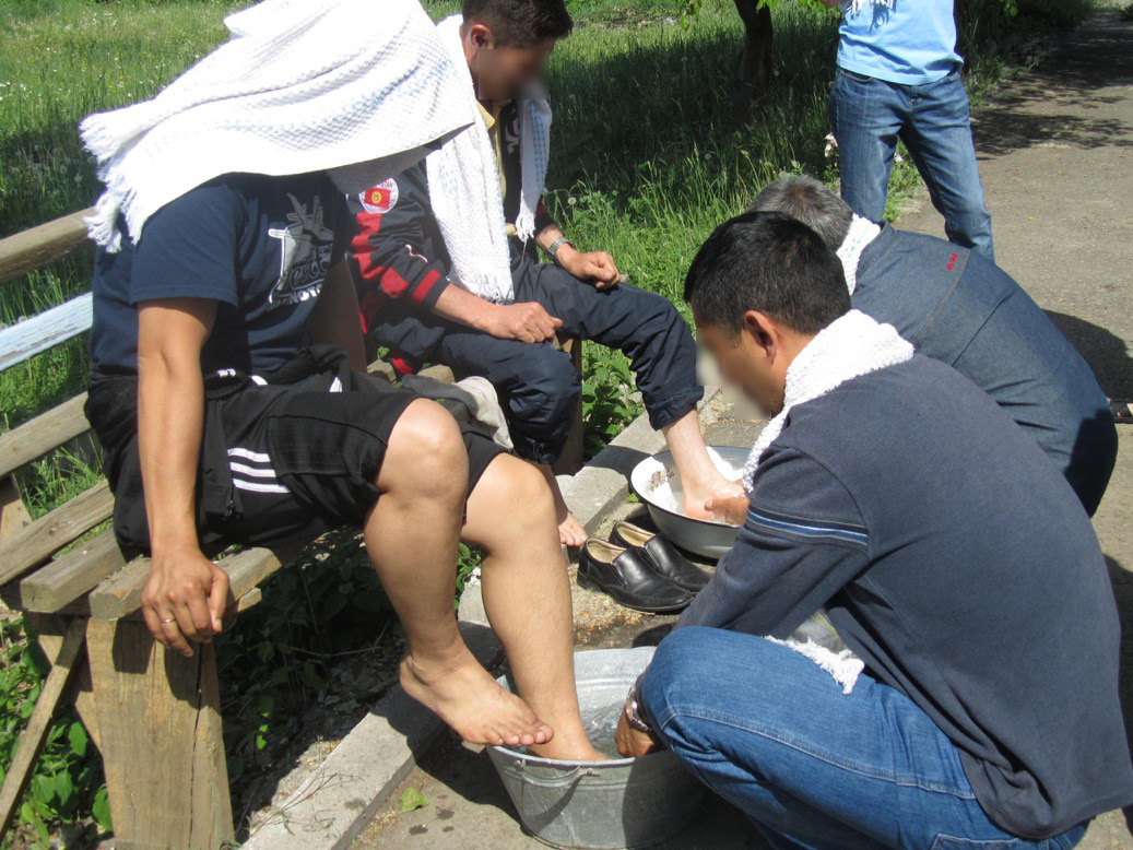 KGCA-Leaders wash each other's feet.Spring 2015