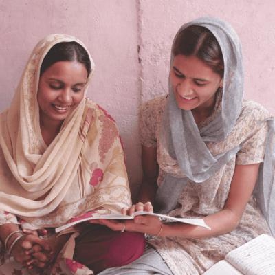 Empowering Women INCO India COI Huggins 2736