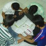 SGCN-Crossroads-student prayer time